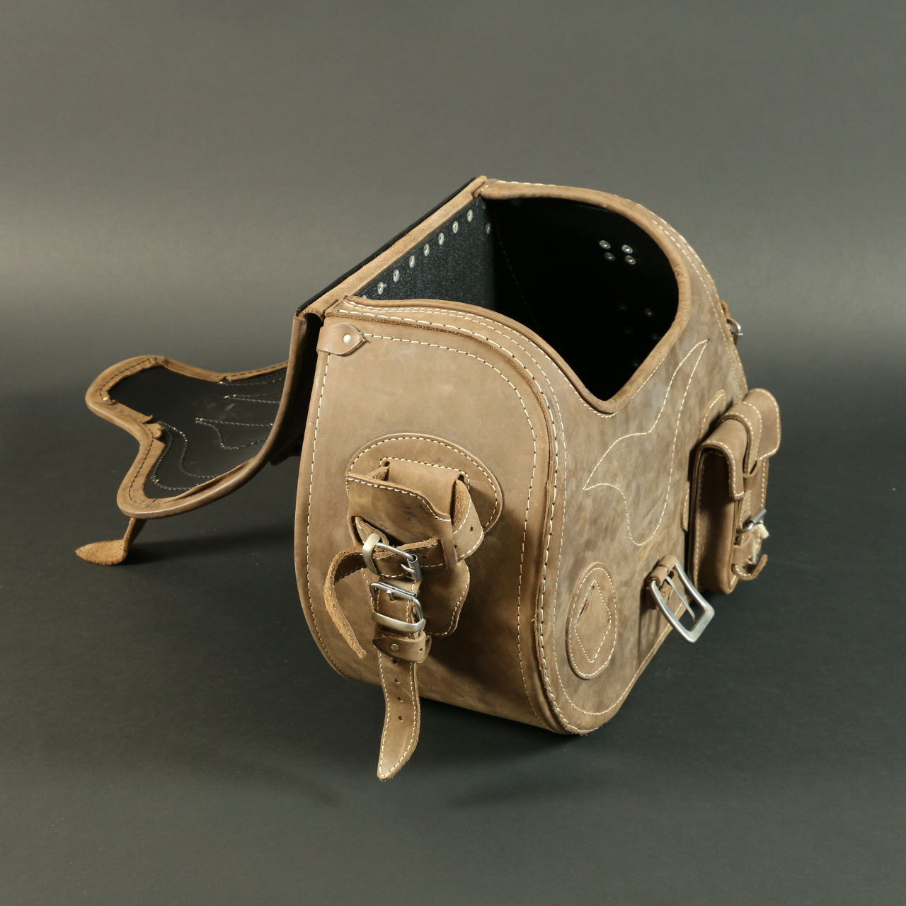Ledmar Leather 3